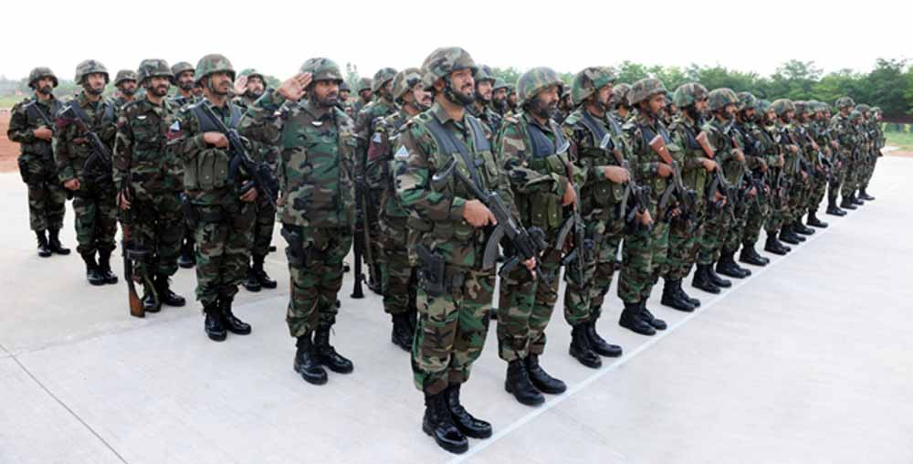 Top 10 countries with largest armies in the world 2013,what country has the largest army,top 10 largest armies in the world, strongest armies, army size by country
