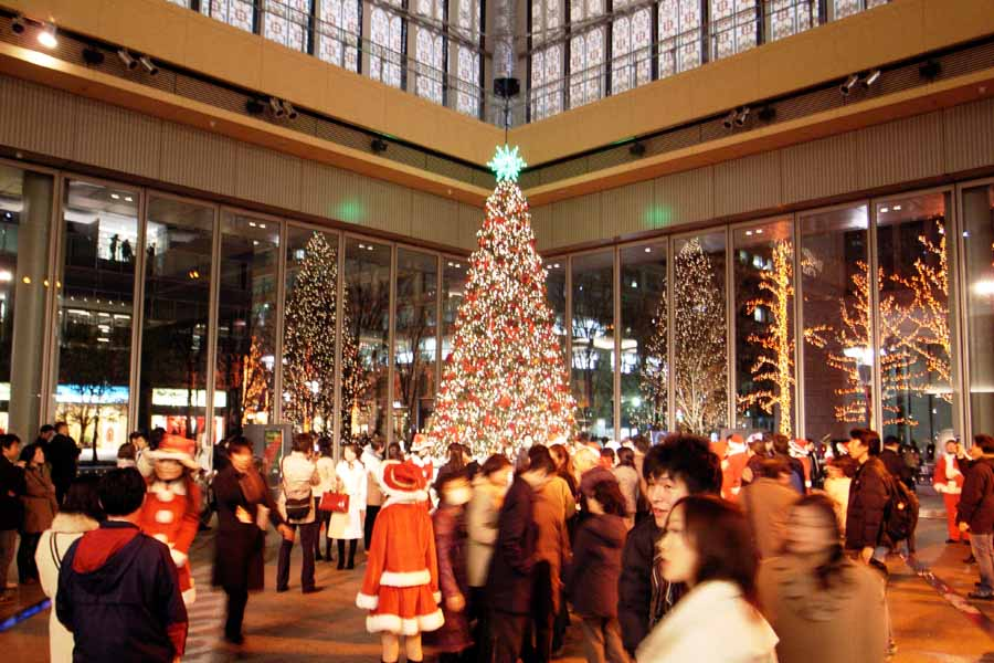 What Countries Celebrate Christmas Around the World